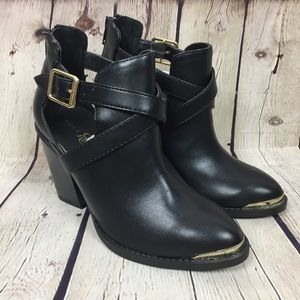 Rock & Republic Asher Black Ankle Boots Size 6